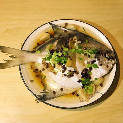 家常菜清蒸金鲳鱼