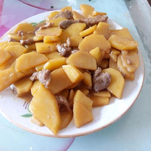 好吃的土豆炒肉