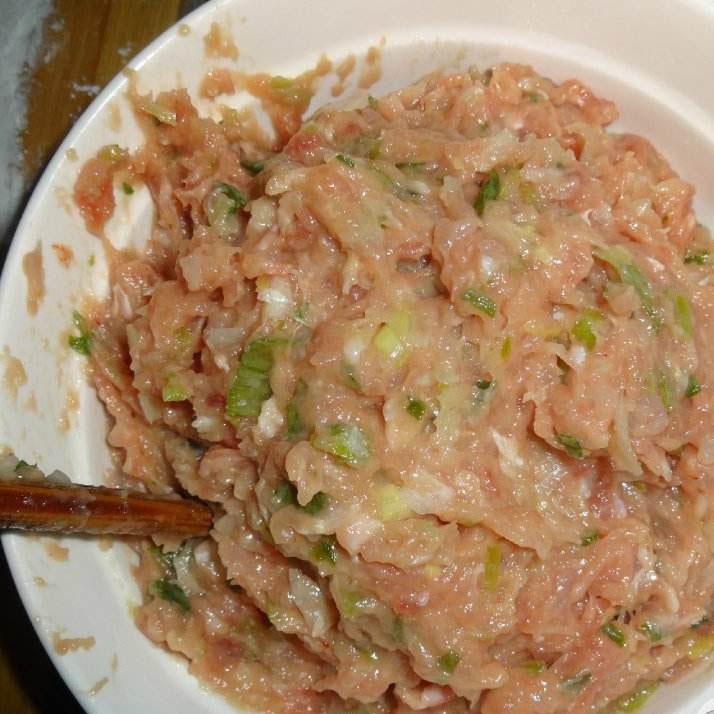 美美厨房之虾仁饺子馅的做法