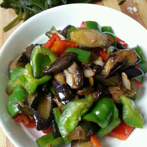 茄子炒肉(家常菜)