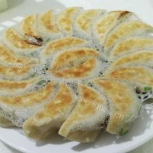 色泽不错的冰花煎饺