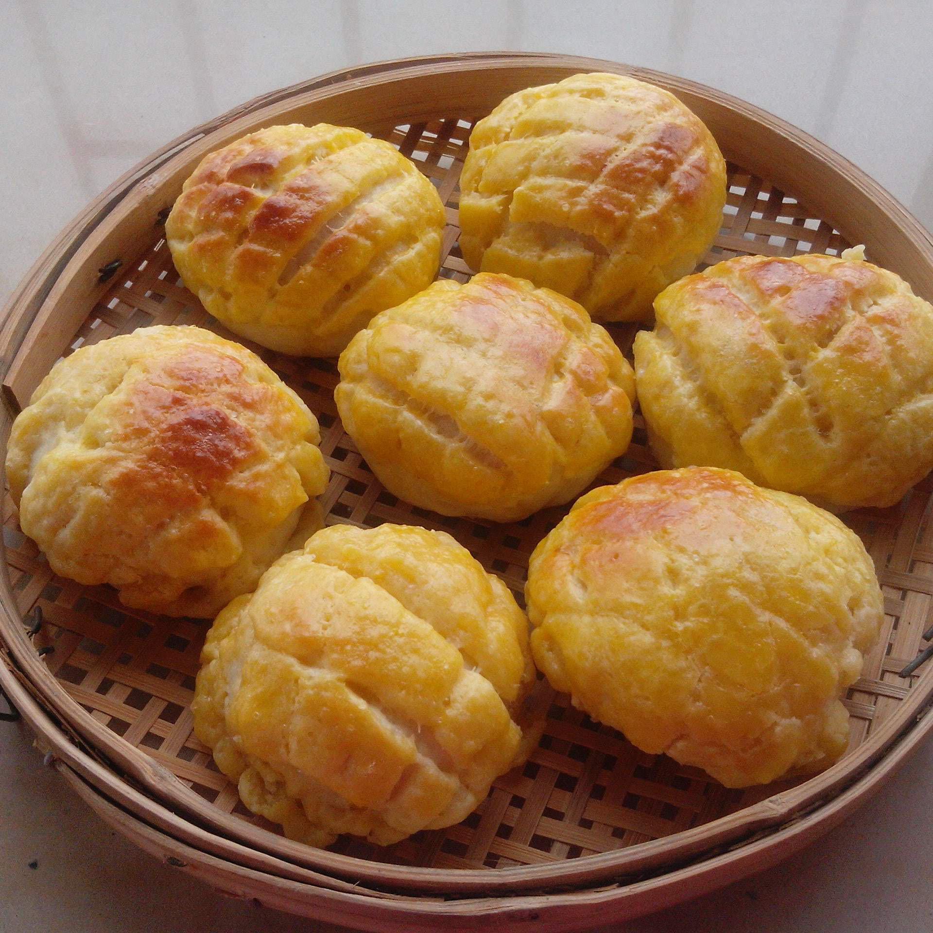 美味香酥菠萝包