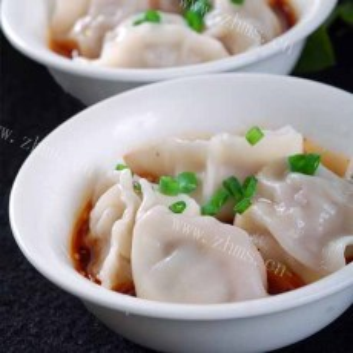 营养丰富的芹菜猪肉水饺