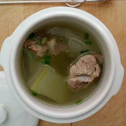 美味清淡的冬瓜排骨汤的做法