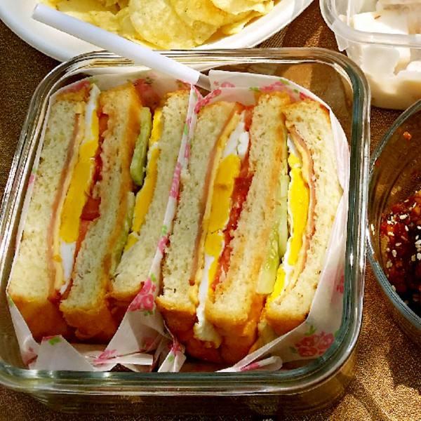 土豆沙拉三明治