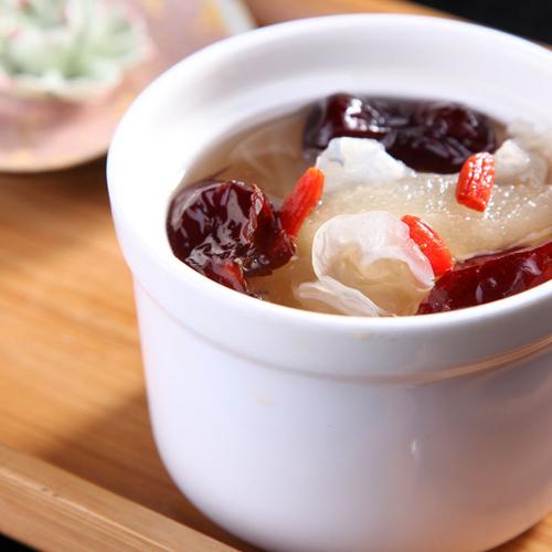 【DIY美食】川贝炖雪梨的做法