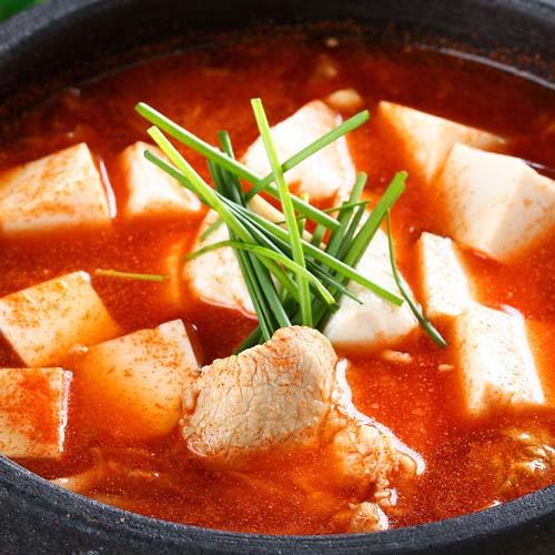 香辣的韩国泡菜汤
