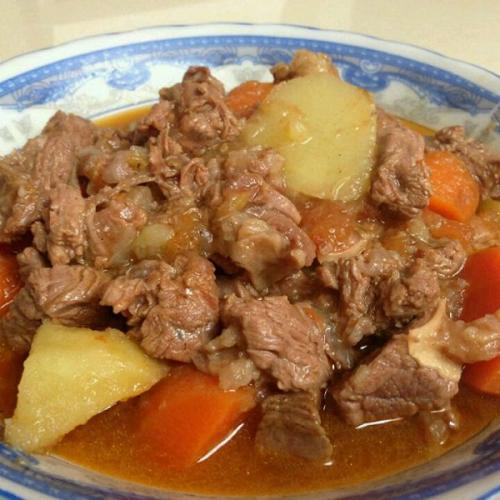 营养美食之牛肉炖土豆