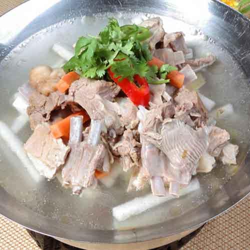 清香的羊肉汤锅