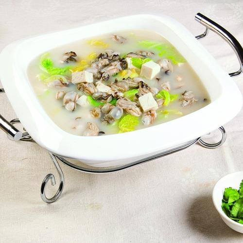 鲜美的海蛎子炖豆腐