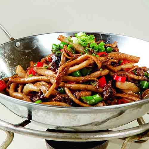 香气浓郁的干锅茶树菇