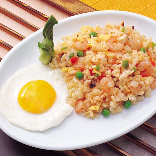 健康营养的虾仁炒饭