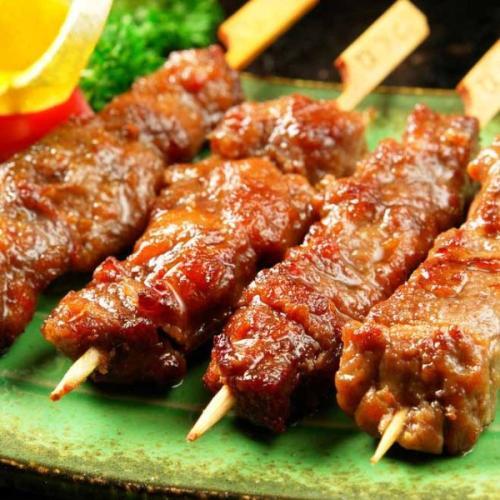 可口的羊肉串的烤法