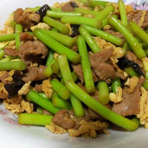 下饭佳品蒜苔炒肉的做法