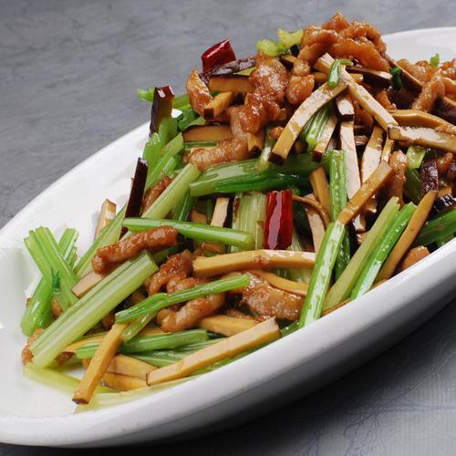 芹菜香干炒肉丝