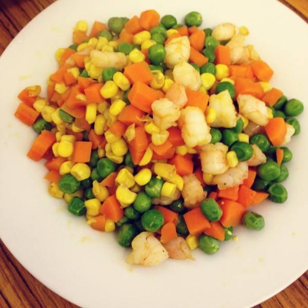 虾仁玉米青豆沙律