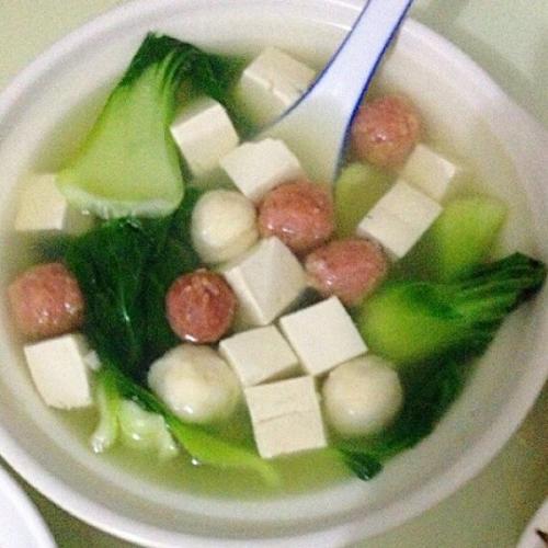 肉丸豆腐汤