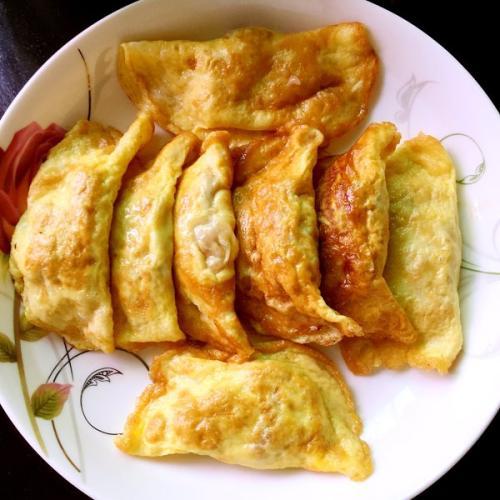 鱼香干菇浇蛋饺