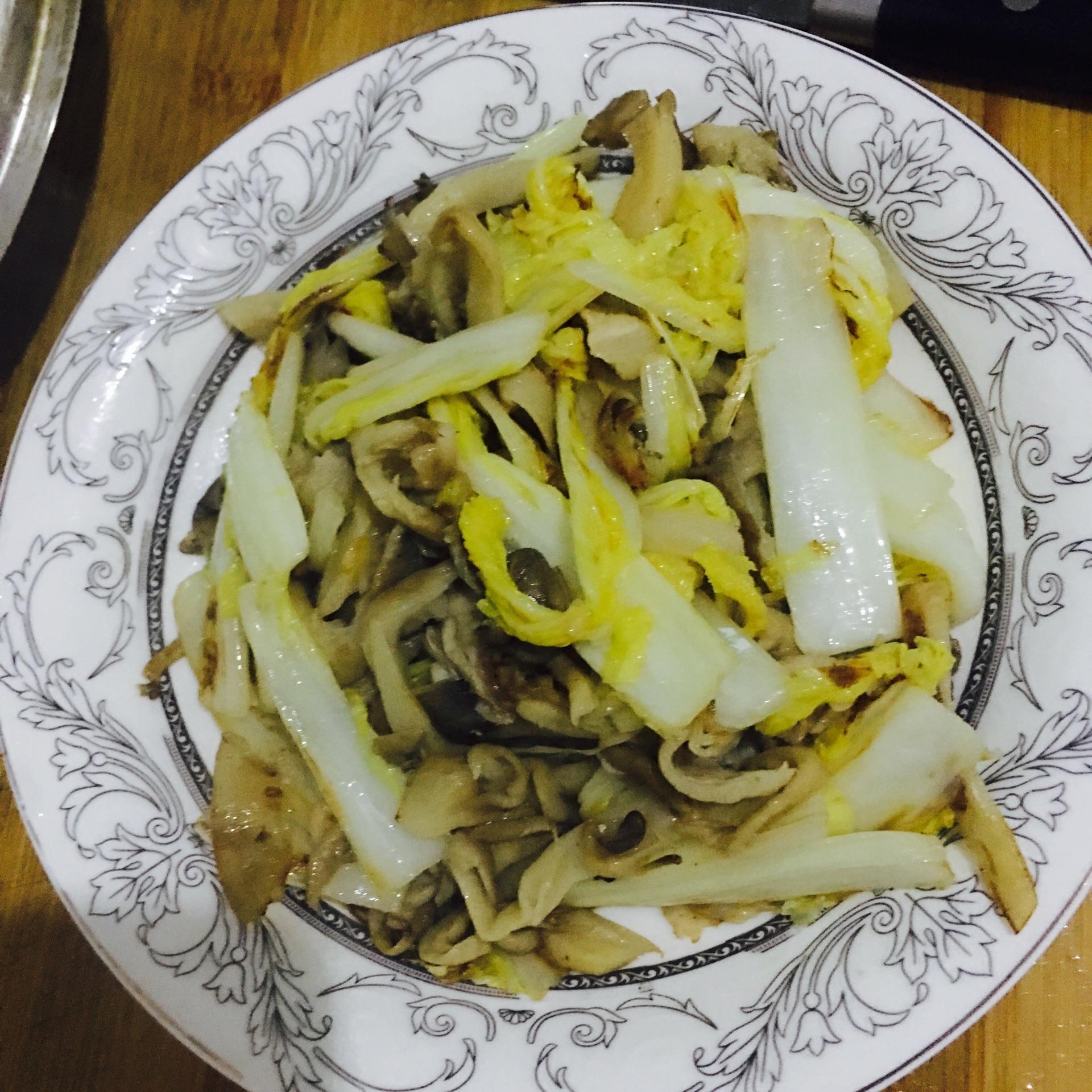 平菇炒白菜