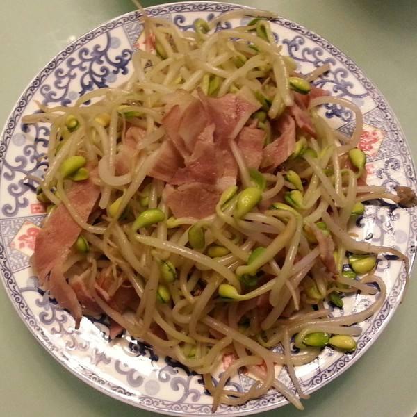 黄豆芽炒肉片