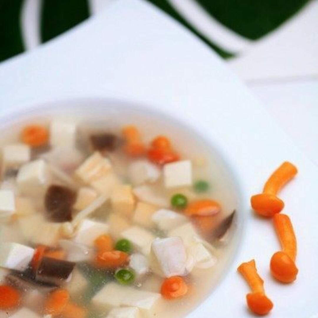 什锦蘑菇鱼汤