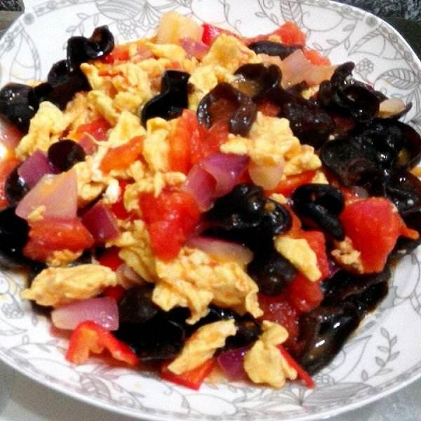 西红柿洋葱炒鸡蛋
