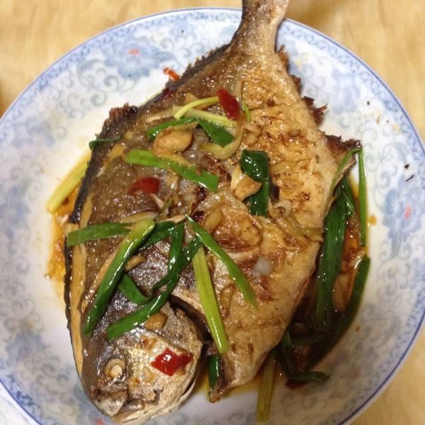 香煎金鲳鱼