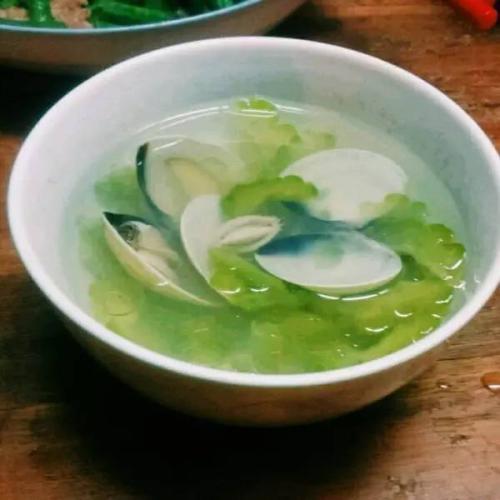 蛤蜊丝瓜汤
