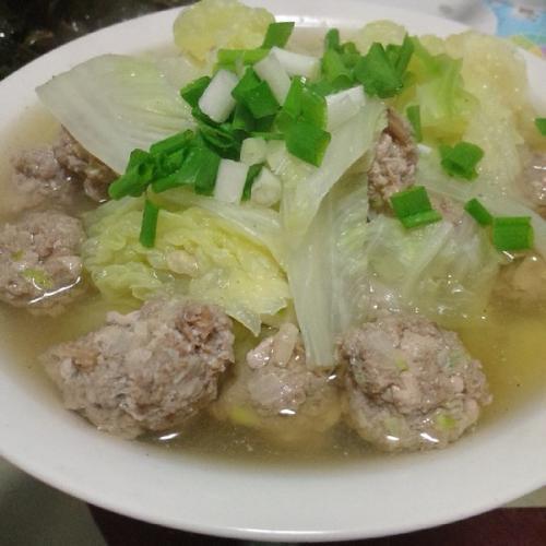 白菜炒丸子