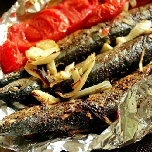鲜美可口的辣烤秋刀鱼