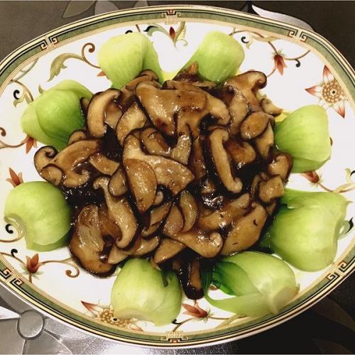 家常菜香菇菜芯