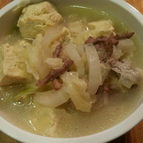 芋粉冻豆腐炖肉
