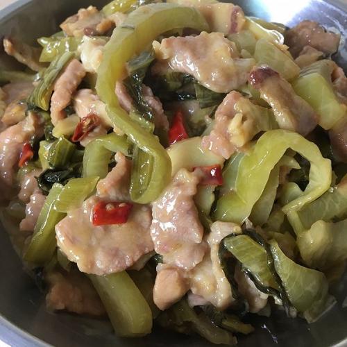 酸菜炒肉片