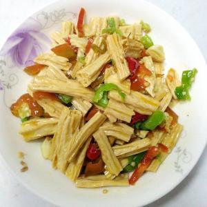 青红椒炒腐竹