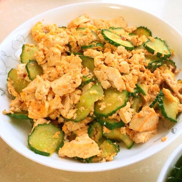 黄瓜炒豆腐
