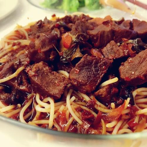 牛肉烩米粉