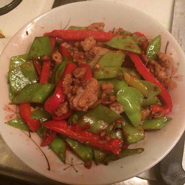 彩椒荷兰豆烩鸡丝