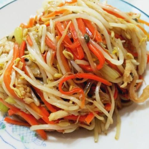 胡萝卜炒豆芽