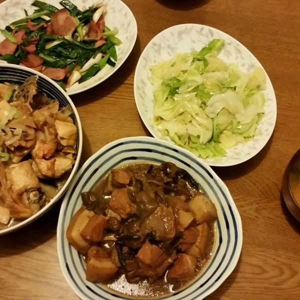 家常菜蘑菇红烧肉