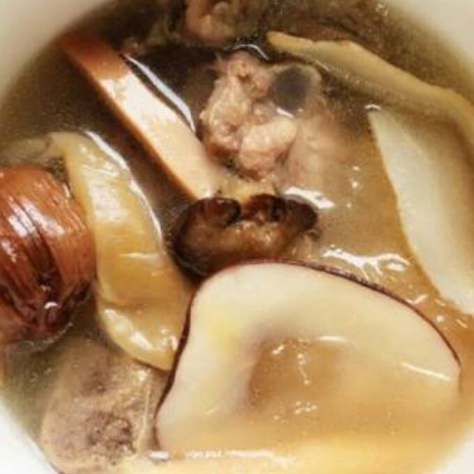 木瓜海底椰排骨汤