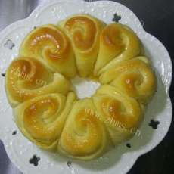 椰蓉花环面包