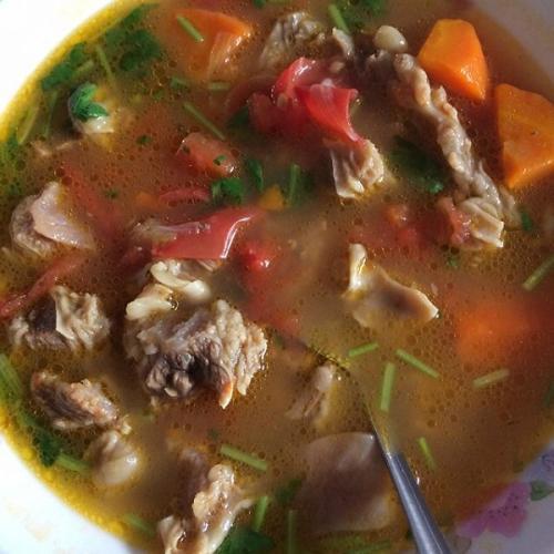 美味红烩牛腩汤