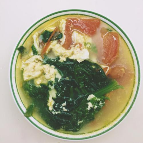 西红柿菠菜汤