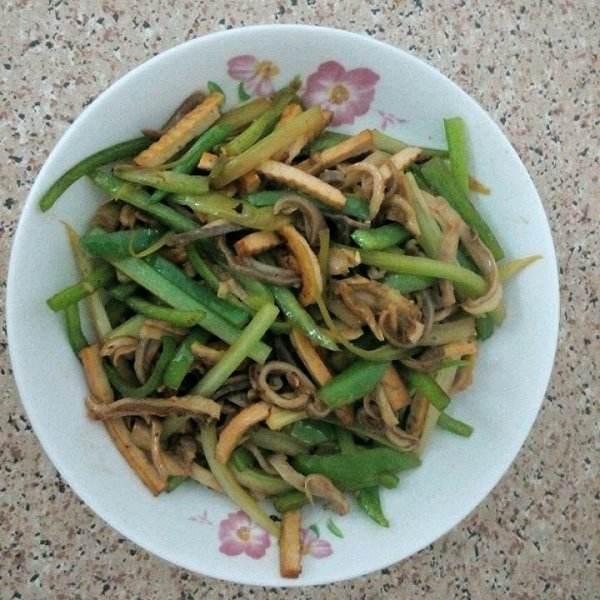 芹菜炒猪肚