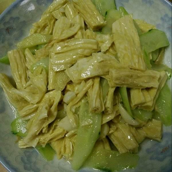 腐竹炒黄瓜