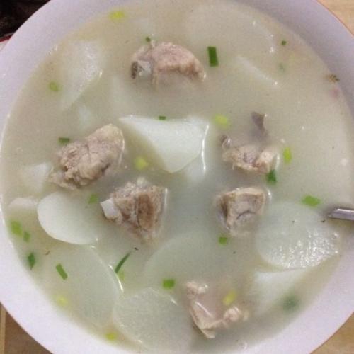 猪骨萝卜汤