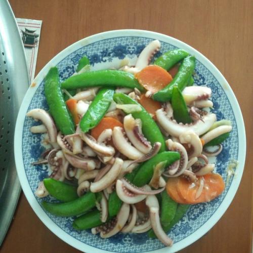 荷兰豆拌鱿鱼丝