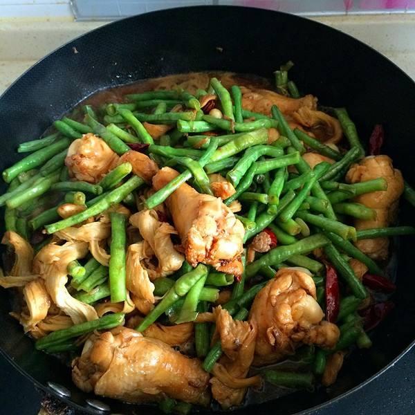 豆角炒鸡肉