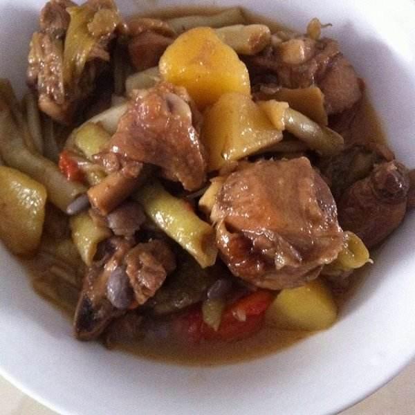 鸡架炖土豆