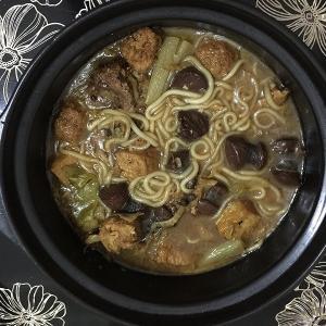 酸菜炖血肠